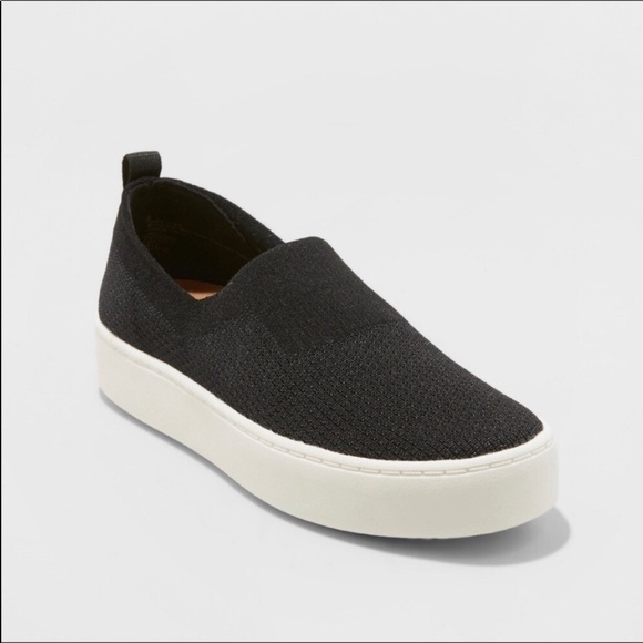 "Women/'s DV SHYANNE BLACK Stretch Slip-On 1.25/"" Platform Stretch Knit SNEAKER"